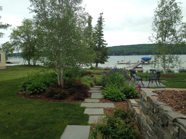 a lake side view to make the neighbors jealous