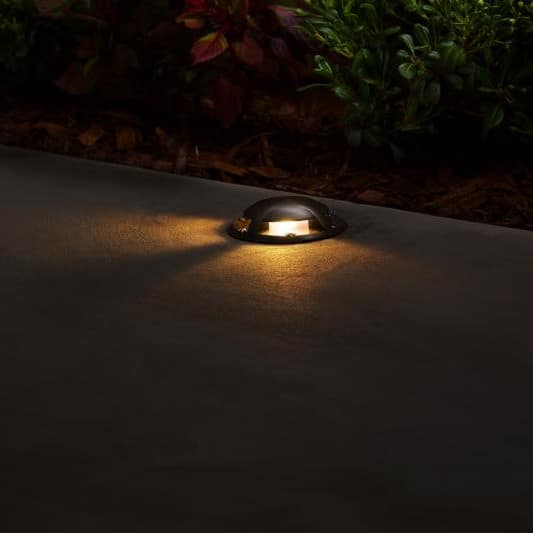 In-grade landscape lighting