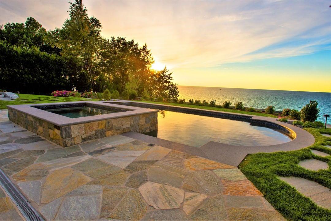 Custom pool and spa on lake michigan